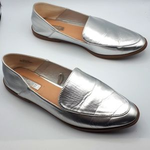 Forever 21 Silver Slip On Pointed Toe Loafers Size 8